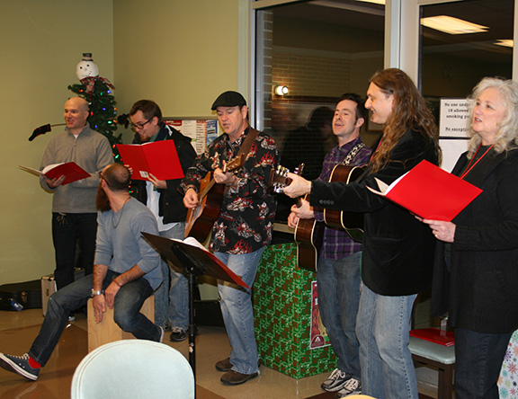 Saxony Coordinates Special Christmas Program for Families at Alternatives Inc.